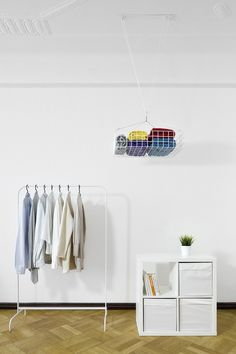 Dalt, a storage system for the ceiling - Core77