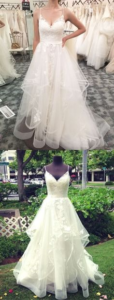 White wedding dress. All brides dream about having the most suitable wedding, but for this they need the most perfect wedding gown, with the bridesmaid's dresses actually complimenting the wedding brides dress. Here are a number of ideas on wedding dresses. #weddingdress