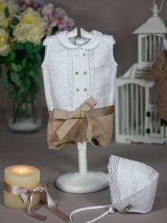 pelele lino blanco y punto camel paz rodriguez para bebé ideal para bautizo verano