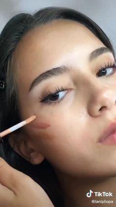 Model Makeup Tutorial, Natural Makeup Look Tutorial, Mode Kylie Jenner, Kendall Jenner Makeup, Contour Makeup, Skin Makeup, Makeup Videos, Makeup Tips, Everyday Makeup Tutorials