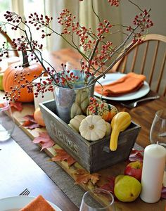 Thanksgiving Tablescape- beautifully simple!