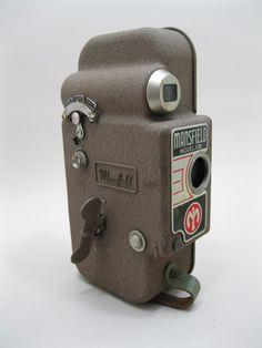 Mansfield 106 16mm movie camera for parts or repair.