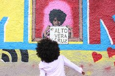 Evento cultural mobiliza moradores do Alto Vera Cruz e declara amor ao bairro - Artistas plásticos, grafiteiros, músicos, escoteiros e convidados se reuniram em evento realizado pela campanha #AmorAoAltoVeraCruz  para positivar a imagem da comunidade.
