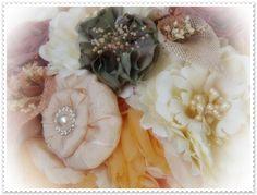 www.hand-madetocados.com  Ramo de novia vintage