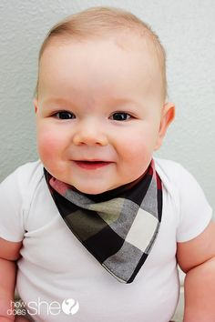 DIY Baby Bandanna Bib - wish I had thought of this for my son when he was a baby/toddler - biggest drooler ever!