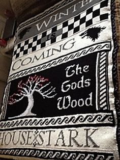 This is by far the best Game of Thrones crochet item I've seen yet. FREE CROCHET CHART PATTERN too. Omg... luv it