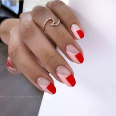 DIY nail art at home is not only exciting but reaps several therapeutic benefits as well. Look for easy hacks on how to master DIY manicure like a pro. May Nails, Hair And Nails, Red Tip Nails, Gel Nails French, Trendy Nails, Cute Nails, Minimalist Nails, Gel Nail Designs, Creative Nail Designs