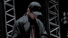 Read Again Jungkook 🎨 from the story 👑 BTS GIFLERI 👑 by growlfiregirl (L' a m a n t) with 37 reads. Bts Jin, Bts Jungkook, Mafia, Foto Bts, Imagenes Gift, Iu Gif, Cool Dance Moves, Bts Bon Voyage, African Dresses For Kids