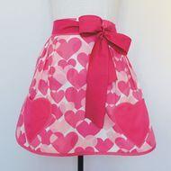 Avental Curto Linha O Amor está no Ar - rosa
