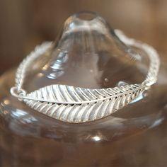 Tutti & Co Mia Silver Leaf Bracelet|lizzielane.co.uk £14