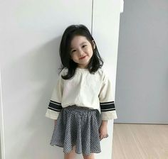 Most Popular Korean Baby Kids Ideas Cute Little Baby, Baby Kind, Cute Baby Girl, Little Babies, Baby Girls, Baby Baby, Cute Asian Babies, Korean Babies, Cute Babies