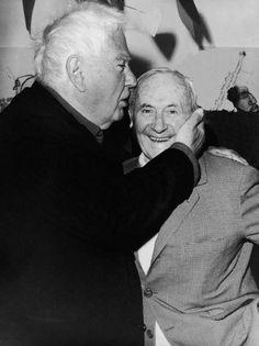 L'amitié, la vraie liaient ces deux génies. Alexander Calder et Joan Miró au vernissage de la rétrospective Calder à la Fondation Maeght en 1969.