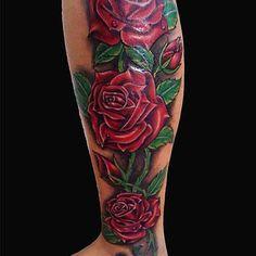 Tatuagens de Flores e Borboletas nas Costas, na Barriga, no Braço