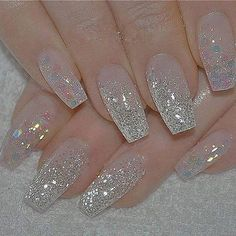 Silver nails are the perfect nails for any occasion. You dress and hair are ready, all you have to do is adding some bling-bling color on your nails. Cute Acrylic Nails, Cute Nails, Pretty Nails, Prom Nails, Bling Nails, My Nails, Nail Art Designs 2016, Acrylic Nail Designs, Bridal Nails