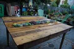 Recycled pallet garden table with rectangle succulent pot insert. Garden Table, Patio Table, Outdoor Tables, Pallet Tables, Picnic Table, Wood Table, Herb Garden, Pallet Benches, Pallet Couch