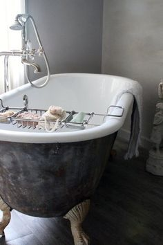 Eventually, one of my homes will have a claw foot tub!