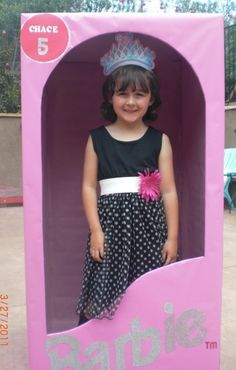 Barbie photobooth #barbie girl Party - how easy and cute.  I want a Ken one at my next birthday :)