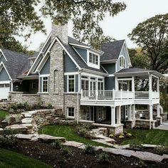10 Ways to Bring Charm to Your Home's Exterior [With Images] – House Design Ideas Style At Home, Dream Home Design, My Dream Home, Dream House Exterior, House Ideas Exterior, Big Houses Exterior, Exterior Shutters, Exterior Homes, House Exteriors