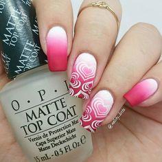 Matte version of my valentine's previus desing . #nailsoftheday #nailaddict #nailartlove #nailartdiary #instanails #instachile #essiepolish #rednails #heartnails #nailpromote #nailartpromote #instanails #nailfie #nailsdone #dailynails #nailstyle #instalike #nailsoftheday #nailartclubchile #likeforlike #freehandnails #vdaynails #rednails #valentinesnails #nailsotd #nails2inspire #nailslife #gradientnails #stampingnails #foreveryummi #mattenails #mattetopcoat by nailsby_lirita