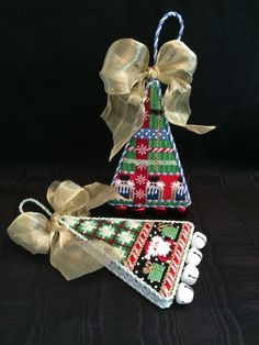 Christmas tree ornaments ~ Canvases by Associated Talents