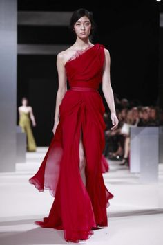 One-shoulder, vibrant red, Grecian style gown. Runway Fashion, Fashion Show, Spring Fashion, High Fashion, Women's Fashion, Sexy Cocktail Dress, Cocktail Dresses, Elie Saab Couture, Gowns Of Elegance