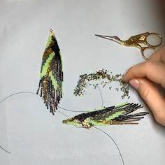 Beaded earrings process, beaded earrings, seed bead earring making - Today's work in progress 🙌🏻 - Seed Bead Jewelry, Bead Jewellery, Seed Bead Earrings, Diy Earrings, Wire Jewelry, Jewelry Crafts, Beaded Earrings Patterns, Earring Tutorial, Bead Embroidery Jewelry