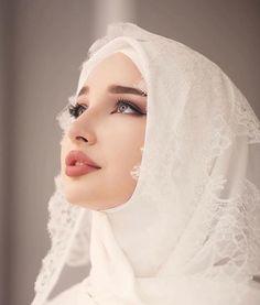 Muslimah Wedding Dress, Muslim Wedding Dresses, Muslim Brides, Muslim Girls, Dress Muslimah, Bridal Hijab, Bridal Outfits, Bridal Dresses, Hijabi Girl