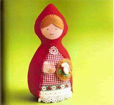Me apaixonei por esse trabalho, é uma bolsa da Chapeuzinho Vermelho daqui , mas logo imaginei uma almofada enfeitando o quarto de uma meni...