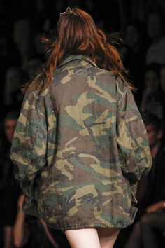 Trophy Jackets - If the weather is a tad chilly throw on a cool camouflage jacket à la Saint Laurent Spring 2016 Ready-to-Wear Fashion Collection. Spring Summer 2016, Spring Summer Fashion, Camo Bomber Jacket, Camouflage Jacket, Military Salute, Army Look, Military Looks, Military Style, 2016 Fashion Trends