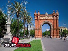 Barcelona. Arc del Triomf. Grupo Actialia ofrece sus servicios en Barcelona: Diseño web, Diseño gráfico, Imprenta y Rotulación. www.grupoactialia.com