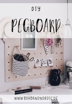 Great Home Decor Trends 2019 DIY pin board, perforated plate, perforated board, Pegboard. Diy Interior, Diy Furniture Plans, Upcycled Furniture, Home Decor Trends, Diy Home Decor, Perforated Plate, Diy Vanity, Diy Pins, Diy Décoration