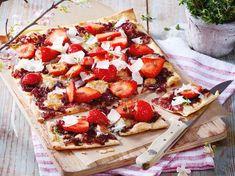Erdbeer-Zwiebel-Flammkuchen als neue Idee mit Erdbeeren