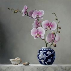 Pieter Wagemans is a famous artist who is known for floral oil paintings. His paintings of flowers are quite realistic and natural. Art Floral, Painting Still Life, Still Life Art, Oil Painting Flowers, Magnolia Flower, Flower Oil, Still Life Photography, Floral Arrangements, Ikebana