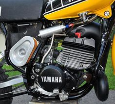 1979 Yamaha OW40 Motorcycle Engine, Motorcycle Garage, Motorcycle Design, Yamaha 250, Yamaha Bikes, Mx Bikes, Cool Bikes, 2 Stroke Dirt Bike, Yamaha Motocross