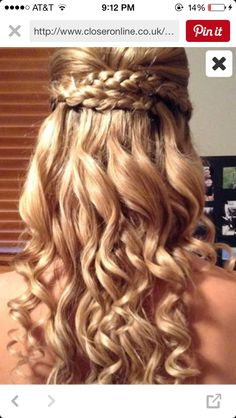 Simple and cute hairstyle for school dances
