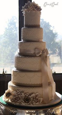 wedding ... Antique gold and champagne wedding cake
