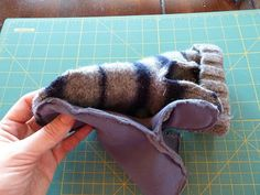 really well written tutorial on felted mittens