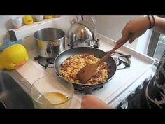 How To Make Ramen Omlette (Easy College Meal). This would be great with a little teriyaki or sweet & sour sauce also.