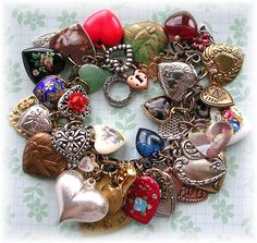 TheVintageHeart. . . . . . . Heart Charm Bracelet