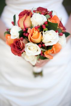 How pretty <3 White roses, Cherry Brandy roses, peach roses and hypericum filler @bloomingmore