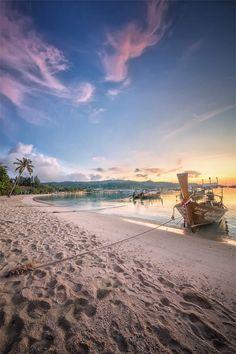 Sunrise in Koh Phi Phi, Thailand