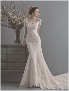 This vintage-inspired gown from La Poeme featuring chic lace detailing is beyond incredible! This vintage-inspired gown from La Poeme featuring chic lace detailing is beyond incredible! Rustic Wedding Dresses, Dream Wedding Dresses, Bridal Dresses, Wedding Gowns, Wedding Bride, Set Fashion, Vintage Inspiriert, Dresses Short, Groom Attire