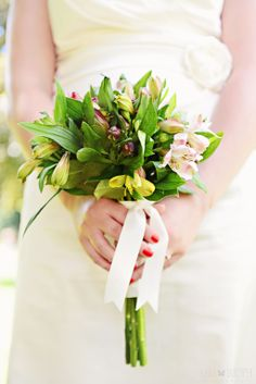 Karolina Adam Alicja wedding bouquet flowers kasia skrzypek wedding photographer brussels