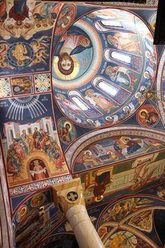 Protection of the Theotokos Church, Belgrade, Serbia Frescoes Religious Images, Religious Icons, Religious Art, Fresco, Byzantine Architecture, Church Architecture, Church Icon, Church Interior, Byzantine Icons