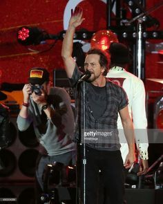 Pearl Jam on Pinterest | Eddie Vedder, Chris Cornell and Lollapalooza