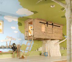 La camera dei bimbi come una casetta sull'albero
