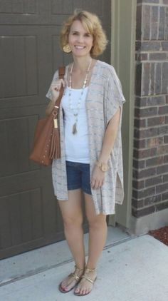 Summer shorts outfits for moms mom fabulous Denim Dress Outfit Summer, Long Denim Dress, Summer Outfits For Moms, Winter Mode Outfits, Winter Fashion Outfits, Long Cardigan, Shorts Outfits Women, Crop Top Outfits, Mom Outfits