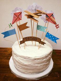 #torta #pastel #cumpleaños #bizcochuelo #tortaalta #glase #glaseado #avion…