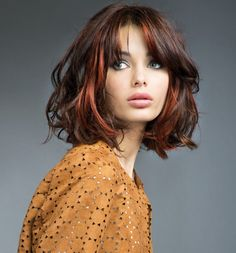 For those looking for a different style: Red blond hairstyles If you want to have your hair dyed and cut or make changes to your red hair, this is for you! Autumn means changing hair color and. Blonde Haircuts, Long Bob Haircuts, Modern Bob Hairstyles, Medium Hair Styles, Curly Hair Styles, Layered Hair, Layered Cuts, Great Hair, Hair Today