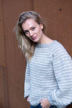Puff the Magic genser. Strikkes i børstet baby alpakka. Magic, Pullover, Knitting, Sweaters, Fashion, Threading, Moda, Tricot, Fashion Styles
